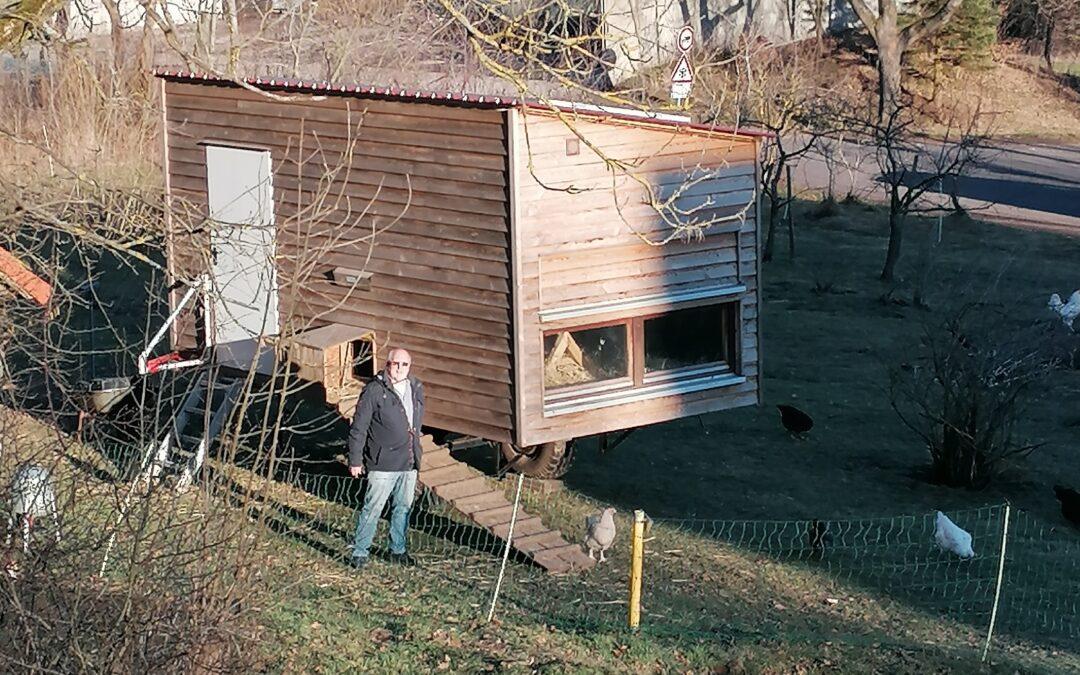 Autarke Stromversorgung für das Hühnermobil – Das lachen doch die Hühner…